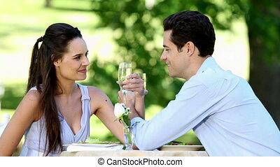 couple, repas, romantique, ensemble, avoir