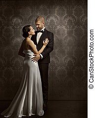 Couple Retro Man and Woman in Love, Fashion Beauty Portrait