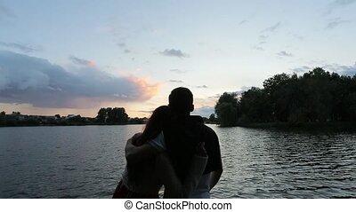 couple, rivière, hagging, banque