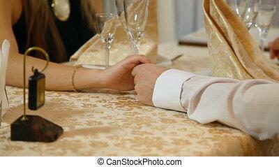 couple, romantique, dinant