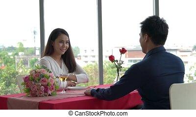 couple, romantique, manger, heureux, restaurant, déjeuner
