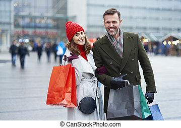 couple, sacs provisions, ville