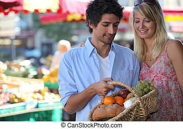 couple shopping at the market