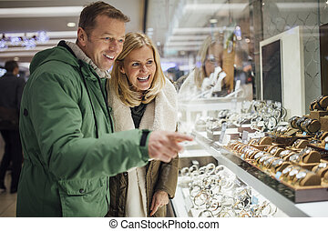 Couple Shopping in City Centre!