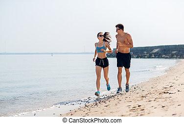 couple, sports, courir long plage, vêtements