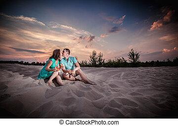 couple, sunset, evening, beach, sitting