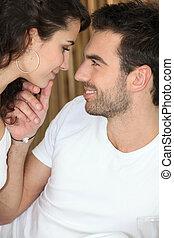 couple, sur, baiser