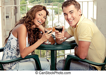 couple, taosting, amour, vin rouge