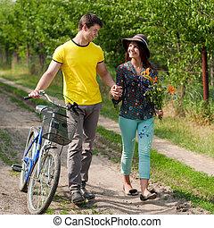 couple, vélo, jeune, heureux