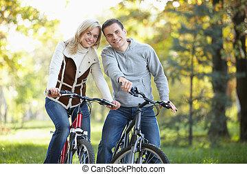 couple, vélos, séduisant