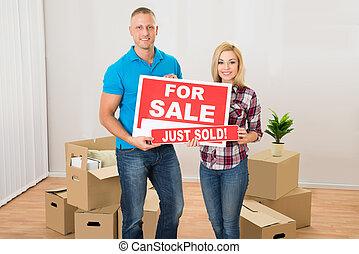 couple, vendu, tenue, signe