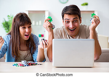 Couple wnning money in online casino