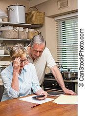 couples aînés, élaboration, leur, factures