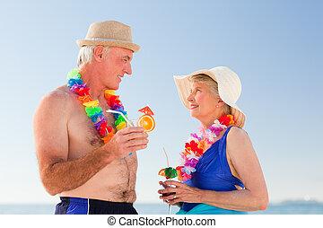 couples aînés, boire, o, cocktail