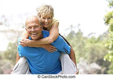couples aînés, exercisme, dans parc