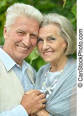 couples aînés, gentil