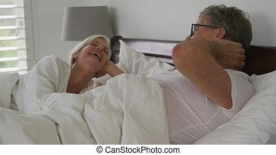 couples aînés, maison