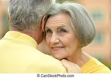 couples aînés, près, hôtel