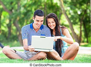 couples adolescence, cahier, parc