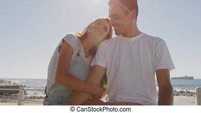 couples adulte, mer, délassant, jeune