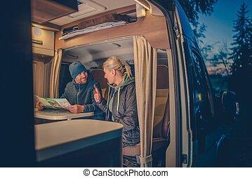couples, camping car, camping