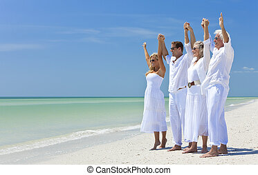 couples, famiglia, spiaggia, bracci insieme, due,...