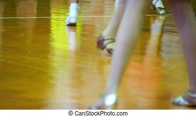 couples, gros plan, jambes, ballroom., danse