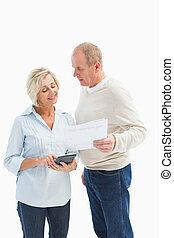 couples mûrs, élaboration, leur, factures