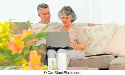 couples mûrs, lapt, leur, fonctionnement