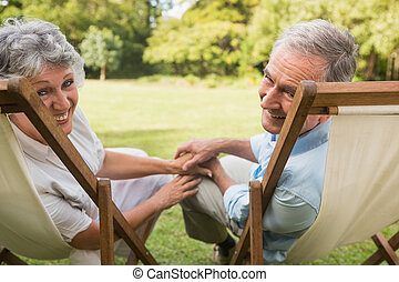 couples mûrs, sourire, came, heureux