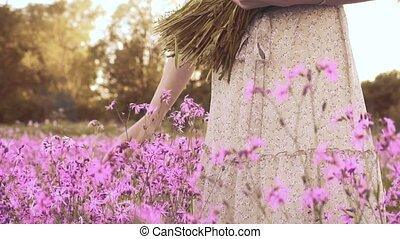 coups, pré, wildflowers, femme, fleurir