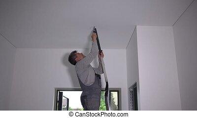 coupure, ceiling., ouvrier, électrification, trou homme, travaux, placoplâtre