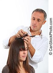 coupure cheveux, femme, coiffeur