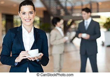coupure, femme affaires, café, avoir