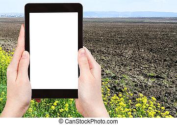 coupure, tablette, écran, pc, tenant mains, dehors