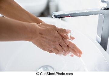 courant, closeup, vue, nettoie, mains, eau, sous, femme, robinet