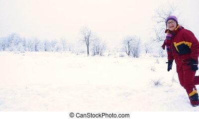 courant, femme, paysage hiver, heureux