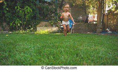 courant, peu, pelouse, girl, laughting