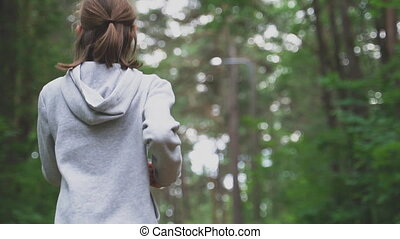 courant, peu, sports, forest., concept., girl, hoodie