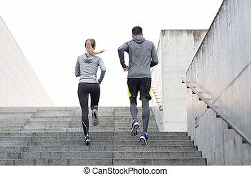 courant, ville, couple, escalier, haut