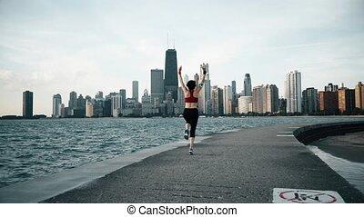 coureur, athlète, faire, exersises, à, bord mer