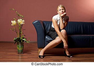 couro, mulher, sofá