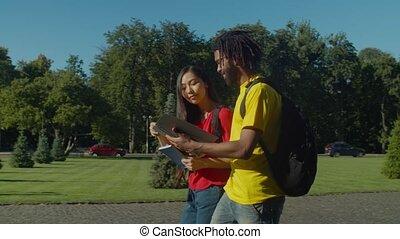 cours, couple, aller, multiracial, université