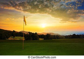 cours, golf, levers de soleil