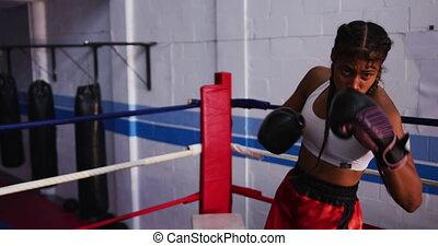 course, anneau boxe, femme, mélangé