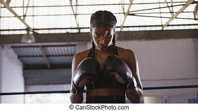 course, boxe, femme, gants, mélangé