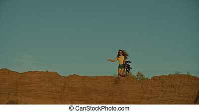 course, girl, coucher soleil, lumière, sandboarder, falaise