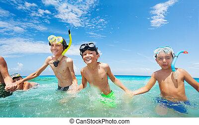 course, masque, garçons, mer, groupe, scaphandre, heureux