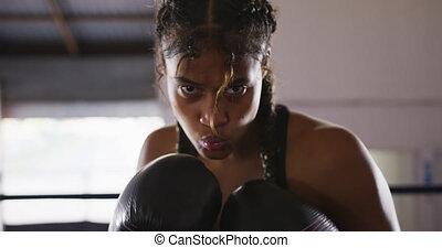 course, utilisation, gants boxe, femme, mélangé