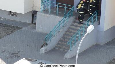 courses, groupe, gens, maison, pompiers, brûler, évacuer, ...
